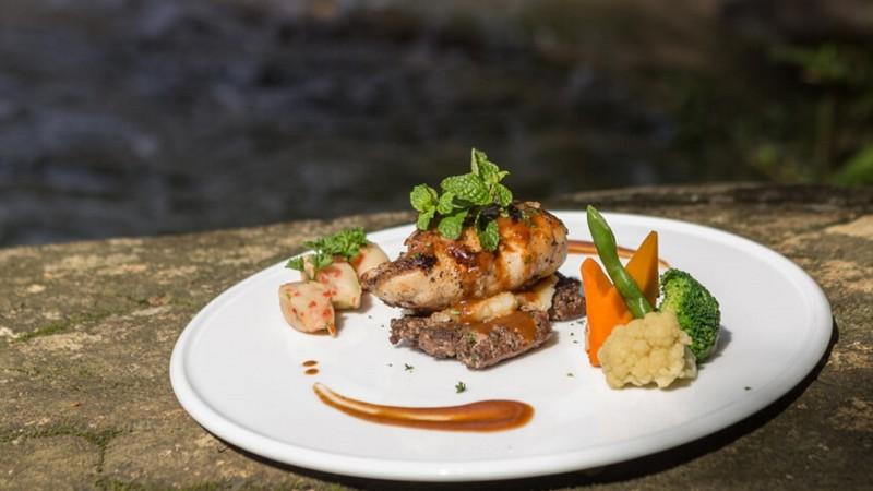 Palmstone-retreat-food